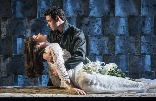 EMBARGOED-UNTIL-21.30-BST-25-MAY-2016-KBTC_Romeo-and-Juliet_Garrick-Theatre_Lily-James-Juliet-and-Richard-Madden-Romeo_Credit-Johan-Persson_05910-700x455